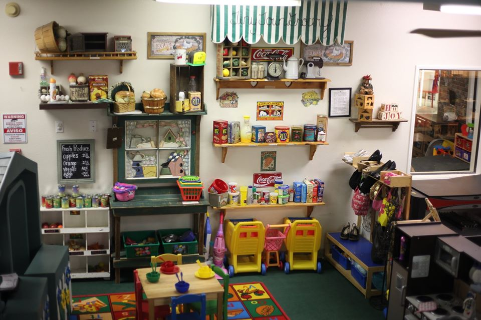 engaging artistic design of the preschool classroom at a Preschool & Daycare Serving Hesperia, CA
